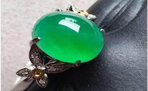 都说阳绿翡翠很贵,那么阳绿翡翠戒指价格如何?