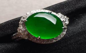 玻璃种的帝王绿翡翠是不是好贵啊?贵在哪里啊?