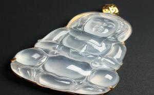 镶嵌式的冰种玉观音图片及价格,适合年轻人的翡翠吊坠之一