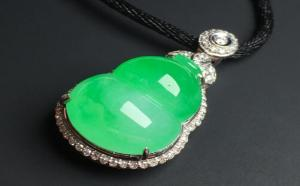 如何区别翡翠阳绿和正阳绿?
