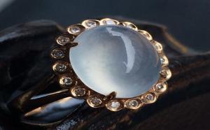 白冰蛋面翡翠戒指镶嵌图片欣赏,这几款翡翠戒指爱了