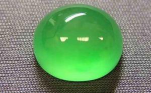 阳绿翡翠和飘阳绿翡翠有什么区别?