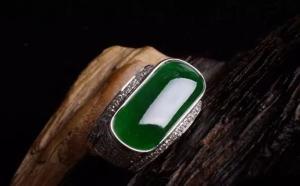 适合男士的翡翠戒指戒面款式有哪几种呢?