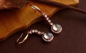 翡翠耳环有什么类型?可分为三大类