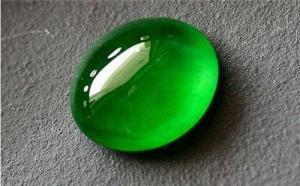 玻璃种帝王绿的价格如何呢?其高级感十足!