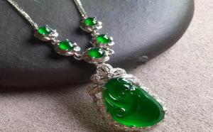 绿色翡翠中的帝王绿、辣绿、阳绿区分方法?