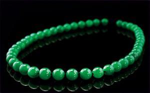 如何选购翡翠珠链?其五个方法很简单