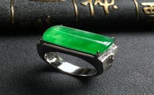 阳绿翡翠戒指价值一定很高?这可不一定!