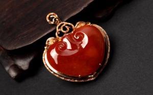 如何辨别红翡与其他颜色相似的宝石呢?