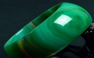 绿玛瑙的鉴定方法,这5种方法你一定要知道!