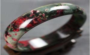 """蛇纹石玉红色品种""""血玉""""该怎么鉴别?"""