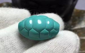 中瓷绿松石能盘出来吗?和盘玩的手有关系吗?