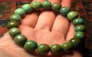 绿松石老油绿有真的吗?盘玩后具有什么特点?