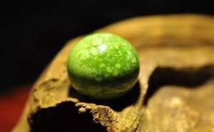 土黄绿松石盘玩后会变成什么颜色?