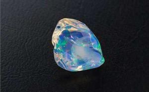 水晶歐泊和水歐泊有區別嗎?哪種價值高?
