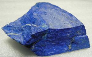 蓝矿石和青金石很相似?该怎么对它们进行鉴定区分呢?