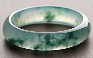 玻璃种翡翠手镯的几种鉴别方法