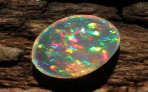 欧泊在宝石界中算是什么档次?
