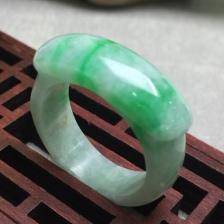 缅甸翡翠糯种飘绿戒指