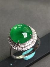 满绿戒指 料子细腻 冰透水润 颜色鲜亮 饱满大气