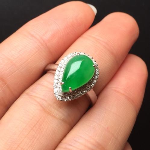 满绿滴水翡翠戒指 颜色鲜艳