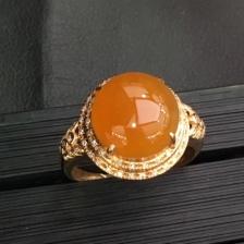 18K金镶嵌翡翠黄翡戒指