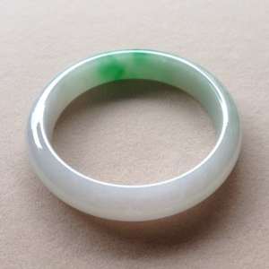 缅甸翡翠正阳绿正圈手镯