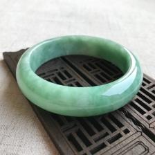 A货翡翠豆种豆绿手镯
