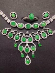 天然翡翠s925银镶蛋面阳绿项链+手链+戒指+耳钉套件