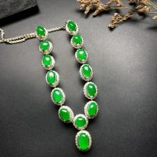 精美冰种阳绿翡翠项链