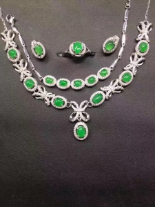 翡翠s925银镶蛋面阳绿项链+手链+戒指+耳钉套件