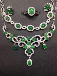 天然翡翠s925银镶蛋面阳绿戒指+耳钉+手链+项链套件