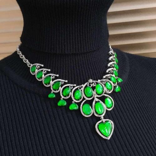 翡翠A货18k白金真钻玻璃种起荧帝王绿项链