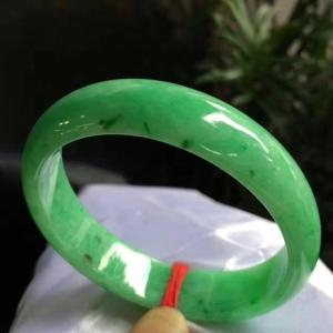 天然翡翠贵妃满绿手镯