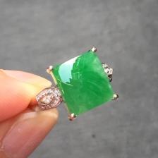 阳绿冰种翡翠方形戒指