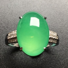 冰绿蛋面翡翠戒指