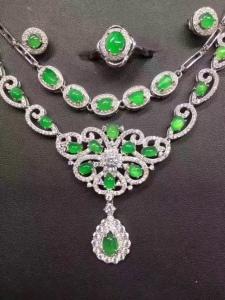 s925银镶蛋面阳绿戒指+项链+耳钉套件