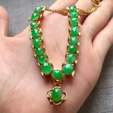 缅甸翡翠冰种阳绿项链