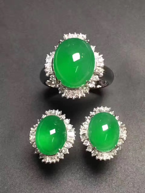 缅甸天然翡翠A货正阳绿套装耳钉+戒指