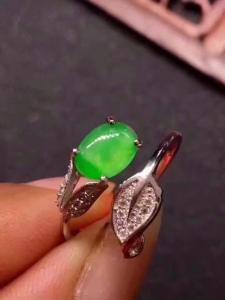 天然翡翠s925银镶精品戒指