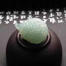 天然A货翡翠 冰种晴水小刺猬小摆件