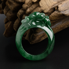 糯种浓绿翡翠龙头戒指