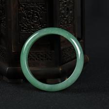 56.5mm豆种豆绿翡翠手镯