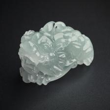 冰糯种翡翠貔貅摆件