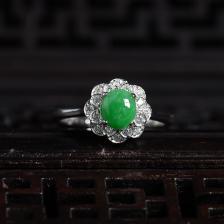银镶豆种翠绿翡翠戒指