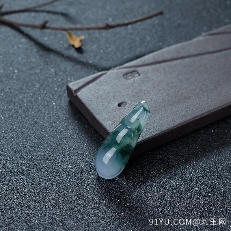 冰种飘花翡翠福豆吊坠第2张