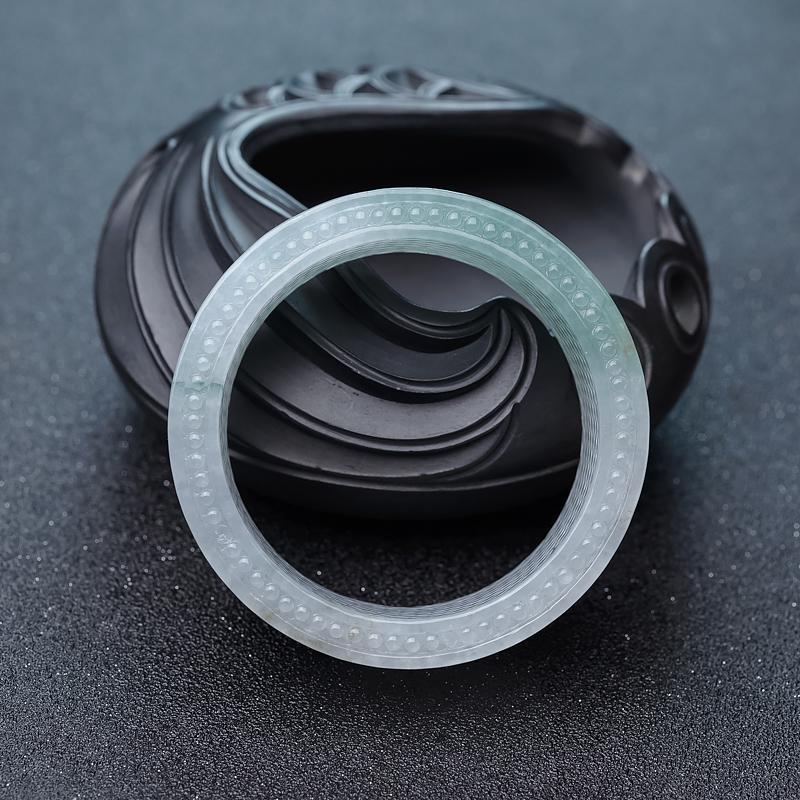 56.5mm糯冰种浅绿翡翠手镯第2张