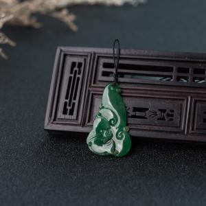 糯冰种深绿翡翠福在眼前吊坠
