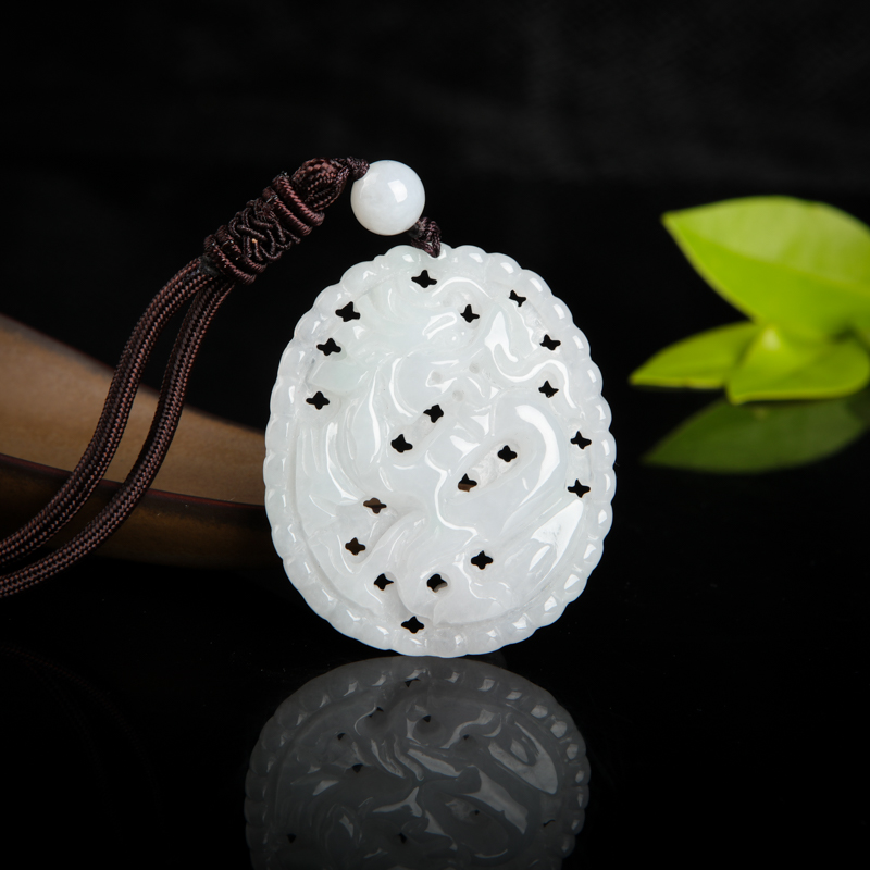 糯种白色翡翠辰龙吊坠
