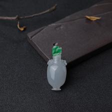 糯种飘翠翡翠拼接花瓶摆件